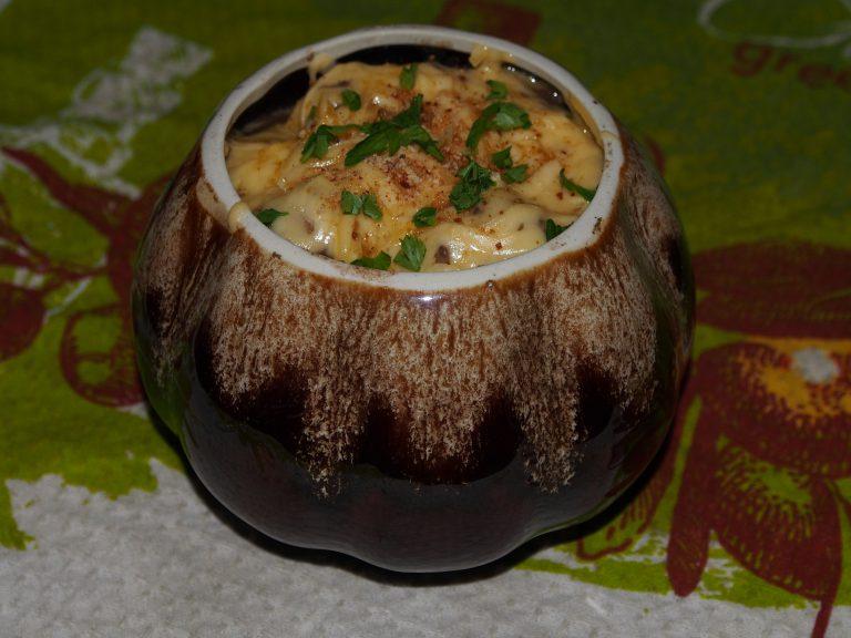 Сусамыр - куриная печень в сметане