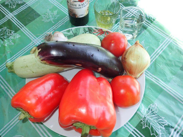 Ингредиенты для приготовления овощей в маринаде на мангале