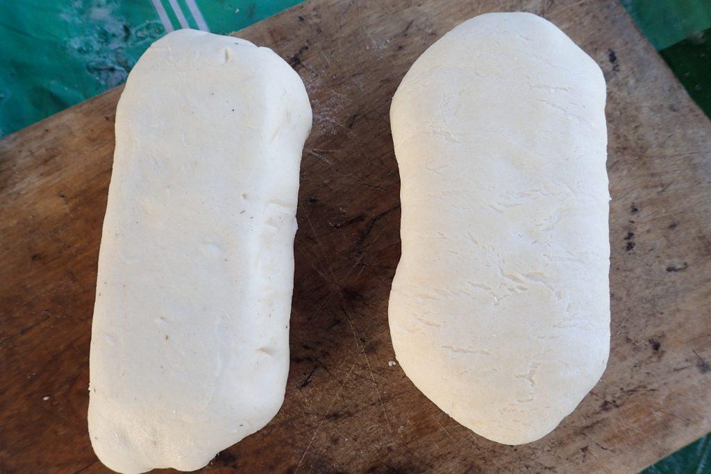 Моцарелла, завернутая в тесто