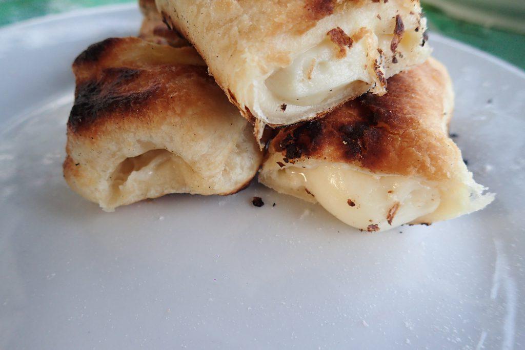 Моцарелла на мангале - простой рецепт выпечки, которая готовится прямо на углях.